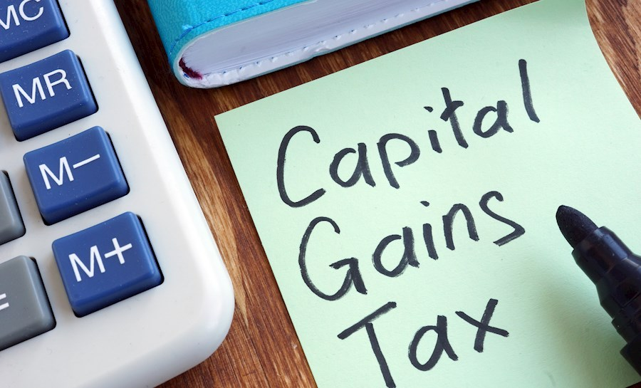 Capital Gains Tax written on sticky note